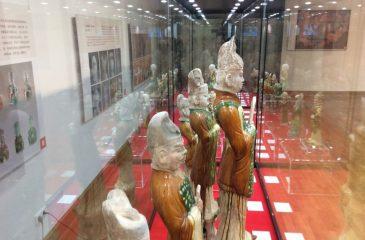 Wystawa ''Trójbarwnie szkliwiona ceramika czasów dynastii Tang, Luoyang - Chiny''