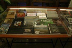 Zapraszamy do obejrzenia nadesłanych publikacji na wystawie pokonkursowej eksponowanej w holu Biblioteki.