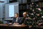 Aukcję prowadzili: Jacek Dekasiński (Dział Gromadzenia i Uzupełniania Zbiorów) i dr Grzegorz Figiel – Zastępca Dyrektora WBP ds. Merytorycznych