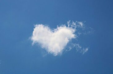 Serce chmury niebo