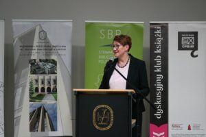 Joanna Chapska przewodnicząca Zarządu Okręgu SBP w Lublinie prowadziła drugą część – międzynarodową XI Lubelskiego Forum Bibliotekarzy
