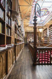 Księgarnia w Lello (Portugalia). Fot. pixaby